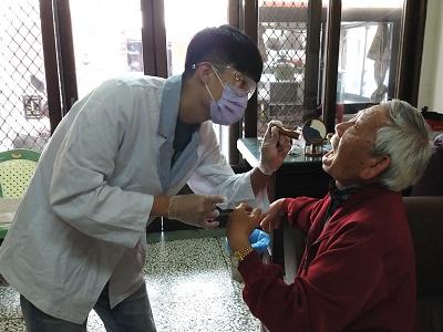 雲嘉地區口腔癌病友的遙遠復健路